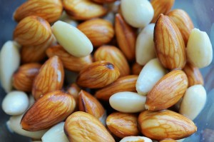 soaked-almonds-1024x681